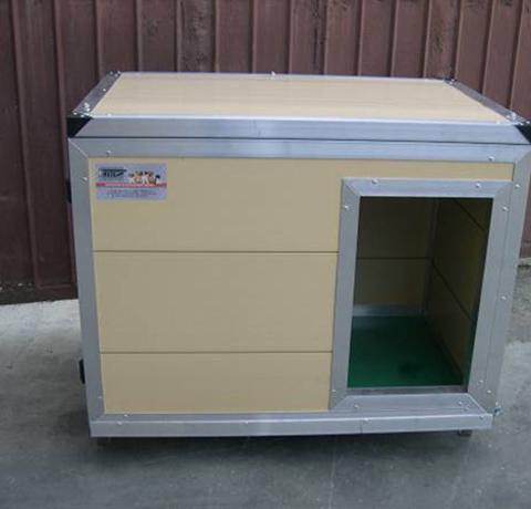 Retex attrezzature cinofilia box cucce recinti casse for Cucce in coibentato