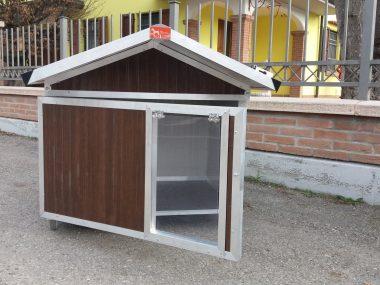 cuccia con tetto