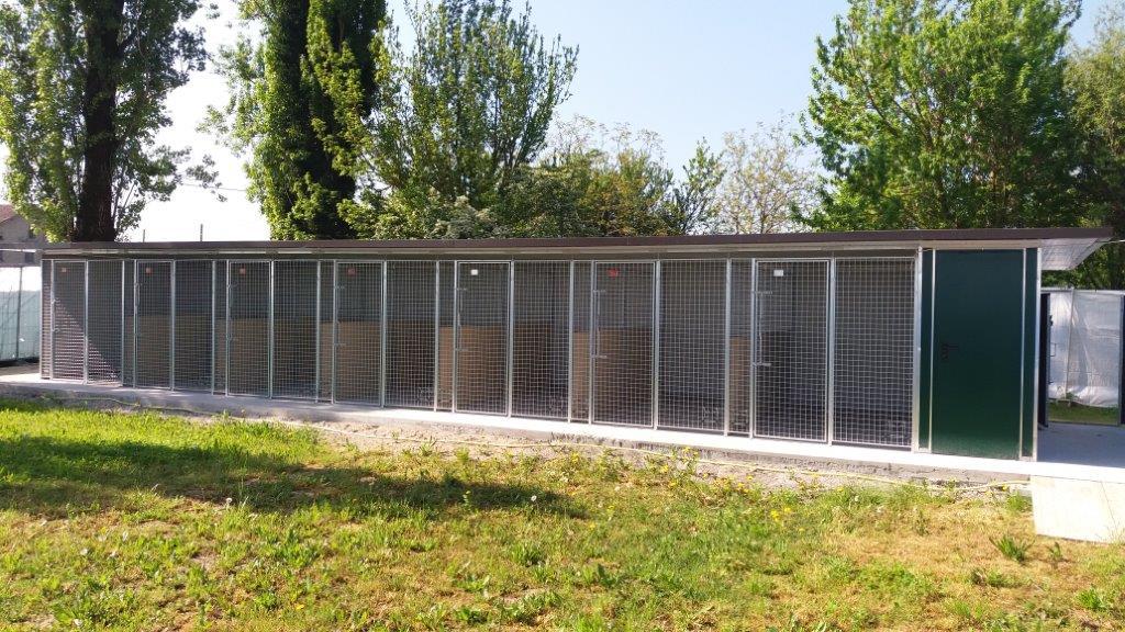 Box per cani da esterno coibentati in rete retex for Retex box cani
