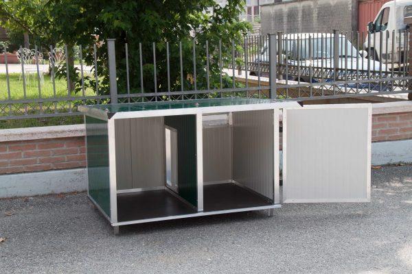 cuccia coibentata con veranda per cani