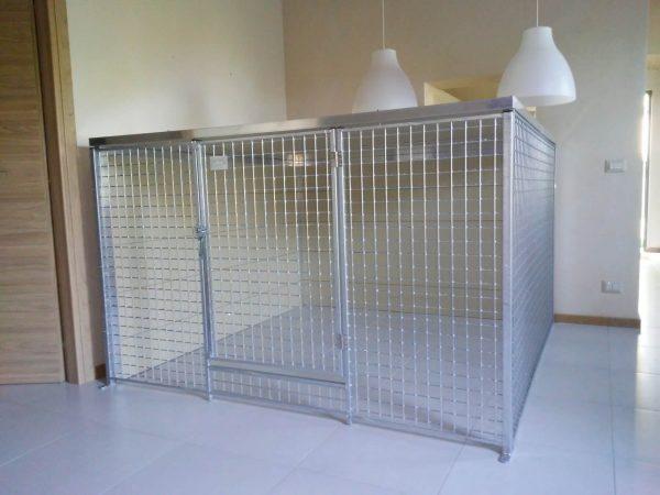 recinto in rete grande chiuso da interno